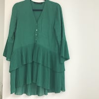 GREEN PLEATED DRESS - SIZE S Arlington, 22209