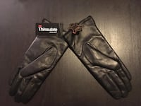 Ladies brand new leather gloves  Toronto, M5V