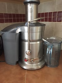 Gray and black power juicer
