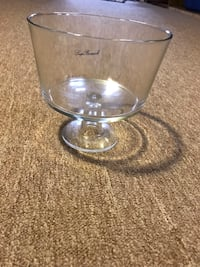 clear glass bowl with lid 383 mi