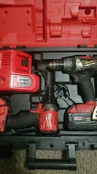 Milwaukee cordless drill and impact set Kelowna, V1Y 3W1