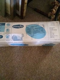"""EVENFLO  Brand new portable playard 40""""X28""""X29"""" NEVER BEEN OUT OF BOX Moore, 73160"""