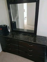 Dresser with mirror,  6 drawers Calgary, T2V 1R3