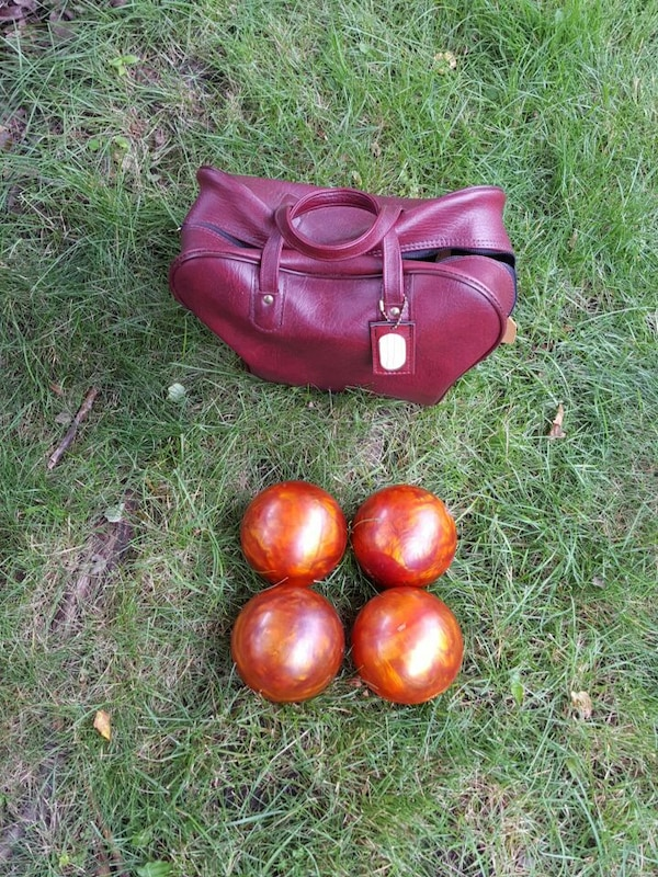 4 starline candlepin bowling balls with bag