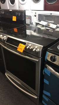 Samsung Slide In Electric Stove excellent condition  Windsor Mill, 21133