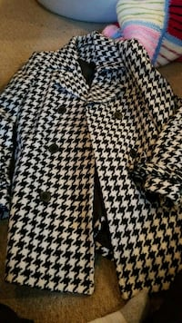 black and white houndstooth print button-up shirt Halton Hills, L7G 0H1