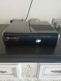 Xbox 360 S + Kinect  Winter Springs