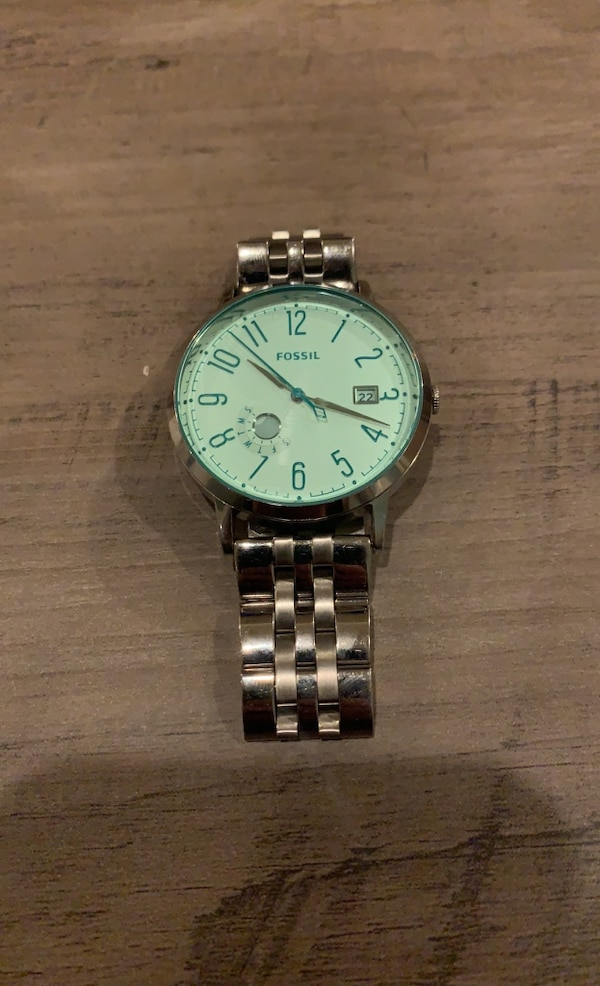 Fossil Watch e0d3a97c-096f-4d90-b9bc-8790176c26cd