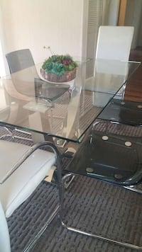 Set of 6 chairs and Glass table Edmonton, T5Y 3E3