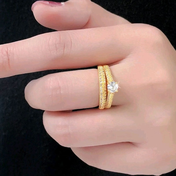 women's gold plated ring 8cb68ede-f1f0-41b2-b9ef-5631219e33d4