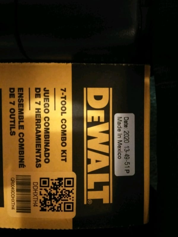 new DeWalt 7 combo tool kit with two 20-volt lithium ion batteries 9925f811-95fc-4efa-892e-ad0357a9ff3a