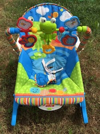 baby's blue and green Fisher-Price bouncer Georgetown, 19947