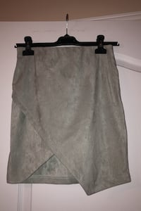Woman's skirt BRAND NEW Laval, H7W 5M9