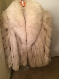 Short fur coat Rockville, 20852