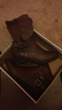 Pair of brown leather boots Clayton, 27520