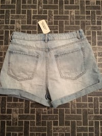 Woman's high waisted jean shorts F21 size 28 brand new  ( too big on me)  Winnipeg, R2C 1M9
