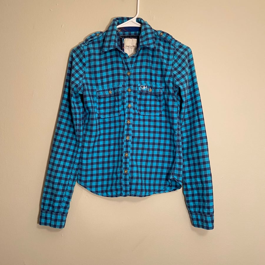 Gilly Hicks plaid button down