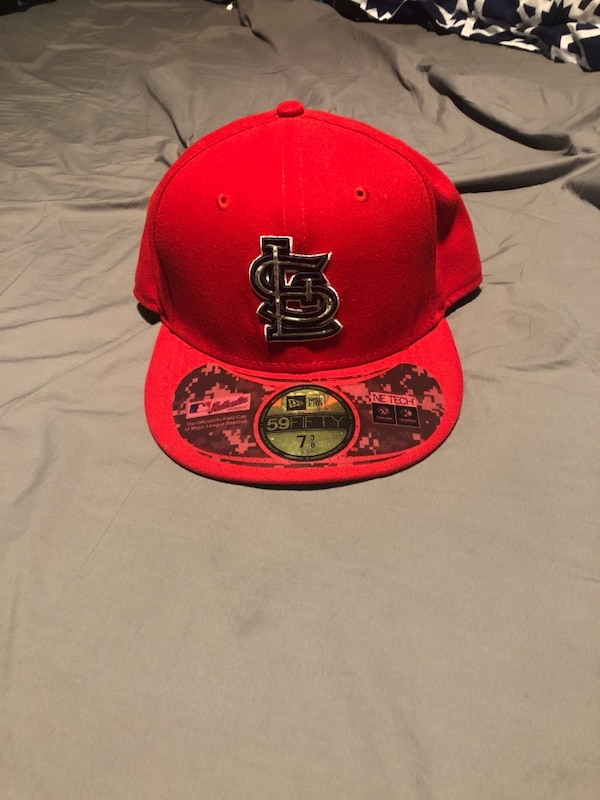 Used Fitted hat for sale in Elizabeth - letgo e93e25d32066