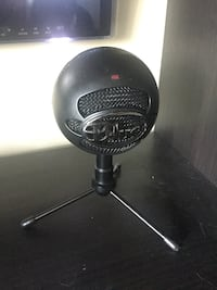 Blue recording microphone  Burnaby, V5A 4C1