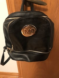 Mk purse for sale nap sack stylish and comfortable Laval, H7M 0B4