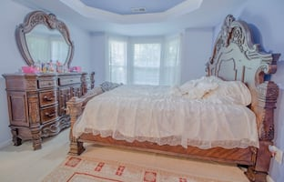 Full King size Bedroom Set