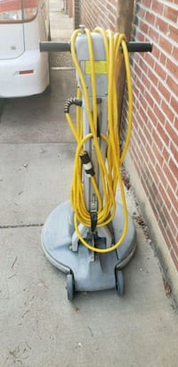 yellow and gray pressure washer St. Louis, 63125