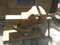 Vintage Rock Island bench vice Tyler