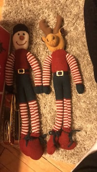 knitted  figurines 23 mi