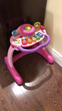 baby's pink and purple learning walker Côte-Saint-Luc, H4W 1T2