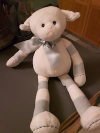 Barrington sheep plush baby like new Montreal, H2T 1S4