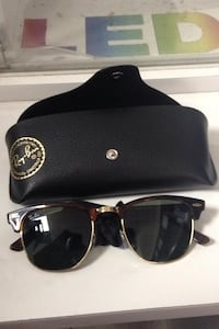 Ray ban club master shades authentic Surrey, V3T 4C3