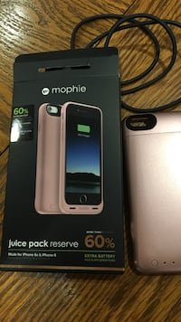 Rose mophie juice pack with box