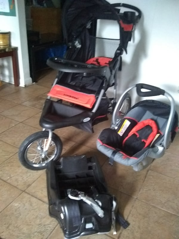 Stroller with Car seat and Base dd05b56d-ef8e-4079-aa86-df258d717048
