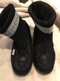 Softmocs booties sz 9 US