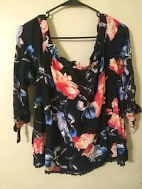 Off the shoulder shirt perfect condition size larg Melbourne, 32935