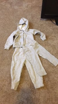 baby's white and gray footie pajama Temple Hills, 20748