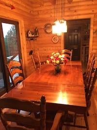 Dining table and six chairs Granite Falls, 28630