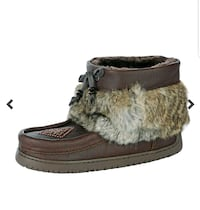 NEW IN BOX! Manitobah Mukluks in Cocoa Calgary