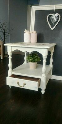 Vintage side table Toronto, M4P 1V6