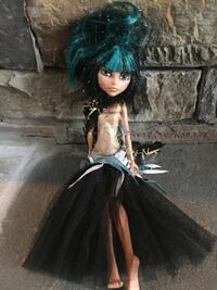 Monster High doll wearing beige and black dress Maryville, 37804