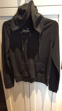 Gray zip up hoodie size large London, N6B