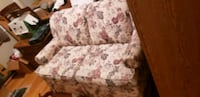 Rocking Floral Couch Omaha, 68127