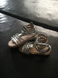 Girls toddler silver Sandals  Calgary, T3K 0H9