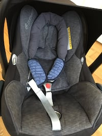 Maxi cosi car seat excellent condition from Welling