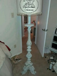Farmhouse style, vintage wood lamp with shade  Knoxville, 37919