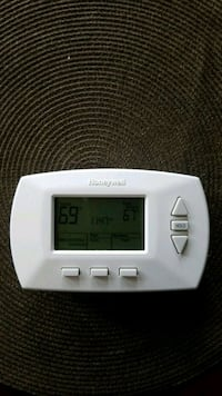Programmable thermostat Calgary, T2X 2T4