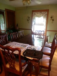 Hutch, Matching Table 8 chairs, 2 leafs Watertown, 06779