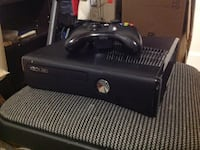 Xbox 360 w/ cables and 1 controller  Surrey, V3R 4V4