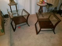 2 glass end tables Las Vegas, 89121