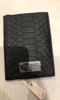 Victoria Secret-passport holder